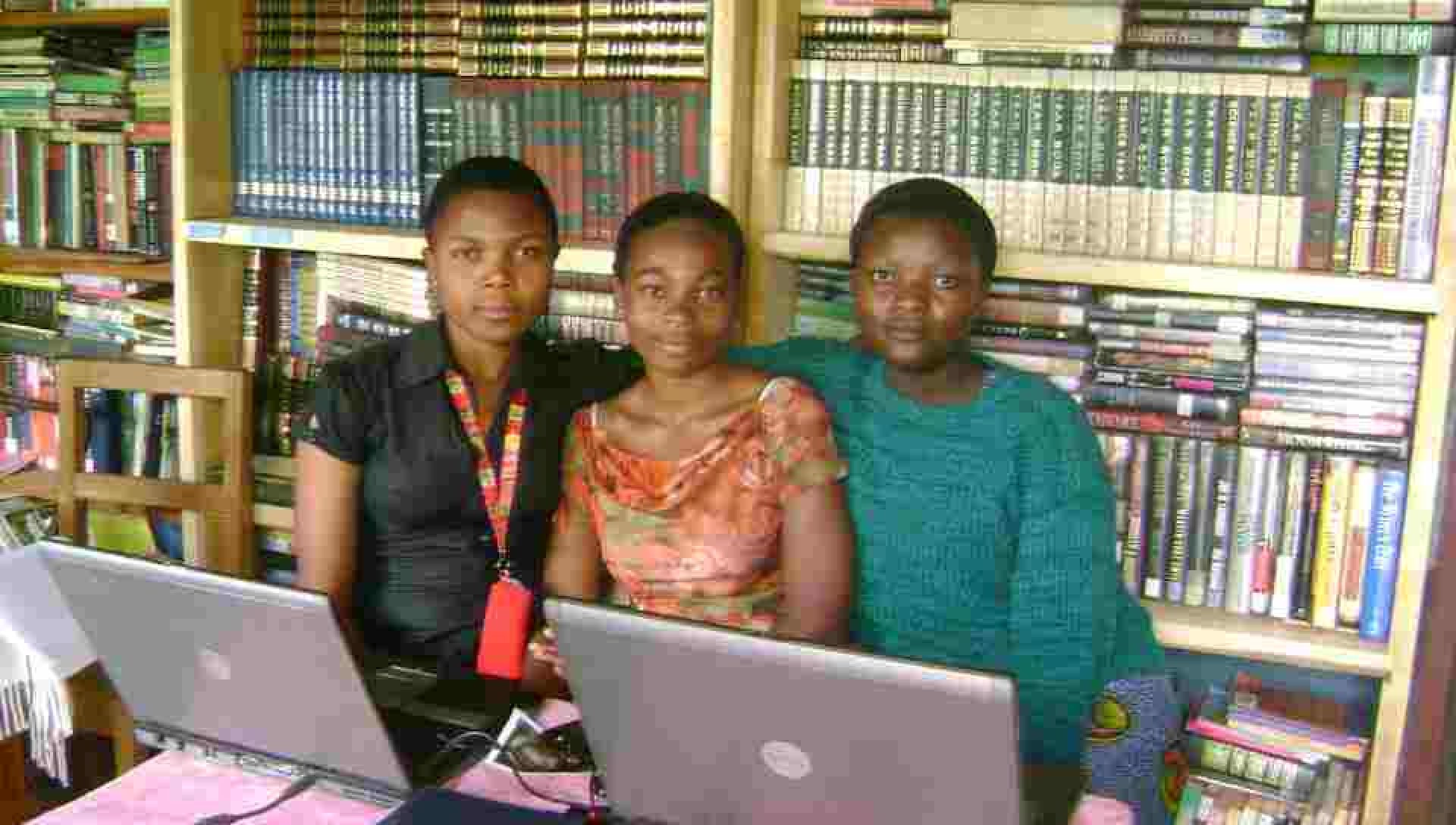 cropped-gmmafrica-library-and-computer.jpg