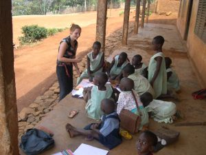 annukka_teaching_children_at_jinkfuin_cameroon.14865723_std